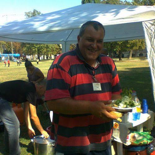 Djeljenje hrane i druženje s beskućnicima 2011